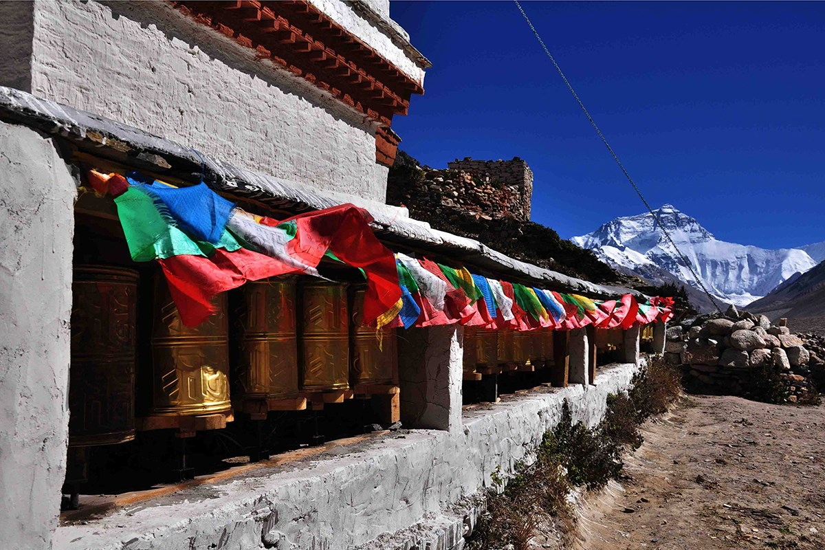 Rongbuk Monastery and Everest