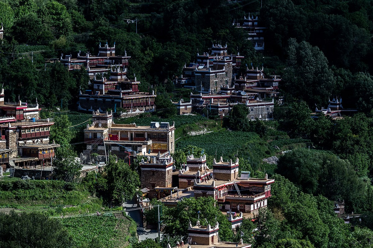 Jiaju Village in_Danba | Photo by Liu Bin