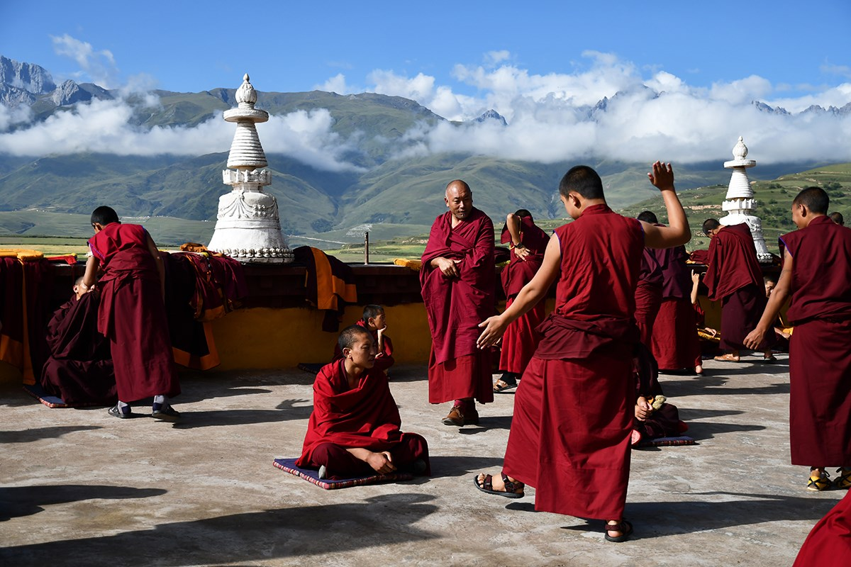 Debate in Ganze Monastery | Photo by Liu Bin